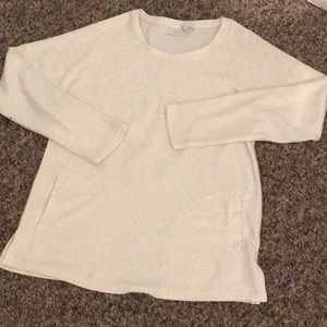 Pullover tunic with front pockets